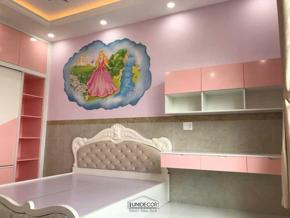 Phòng ngủ cho em bé gái trang trí màu hồng